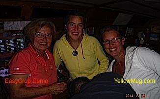 Les rencontres à San Miguel: une rameuse au long cours Charlotte en jaune , et Philippe et Véronique, 2 Québécois